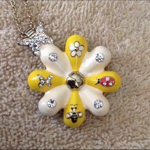 Betsey Johnson enamel daisy ladybug pendant 🌼🐞